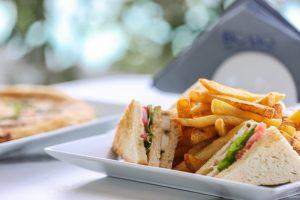 blu-blu-mykonos-cafe-and-bar-lunch